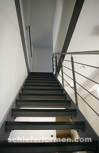 beispiel treppe 1. Black Bedroom Furniture Sets. Home Design Ideas